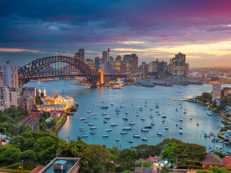 シドニー・ハーバーブリッジ(Sydney Harbour Bridge)。
