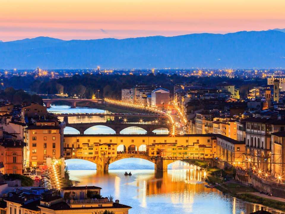 フィレンツェのポンテ・ヴェッキオ(Ponte Vecchio)。