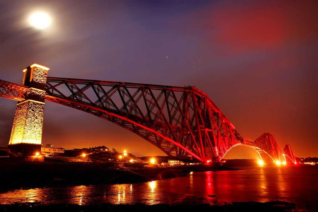 スコットランドのフォース橋(Forth Bridge)。