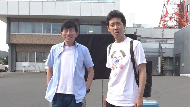 「ミスター」こと鈴井貴之と大泉洋(2018年8月1日早朝、HTB旧社屋裏口にて)