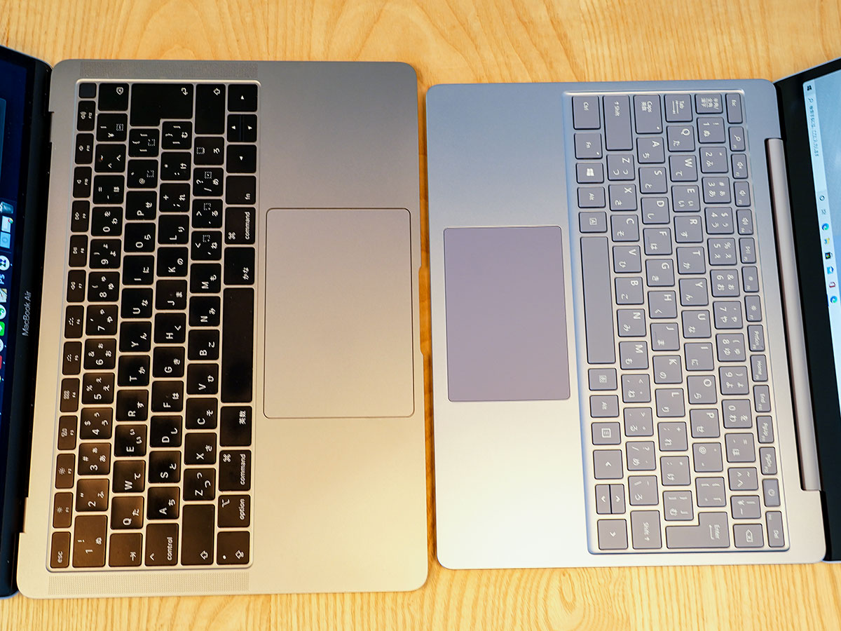 MacBook AirとSurfaceのノートGo