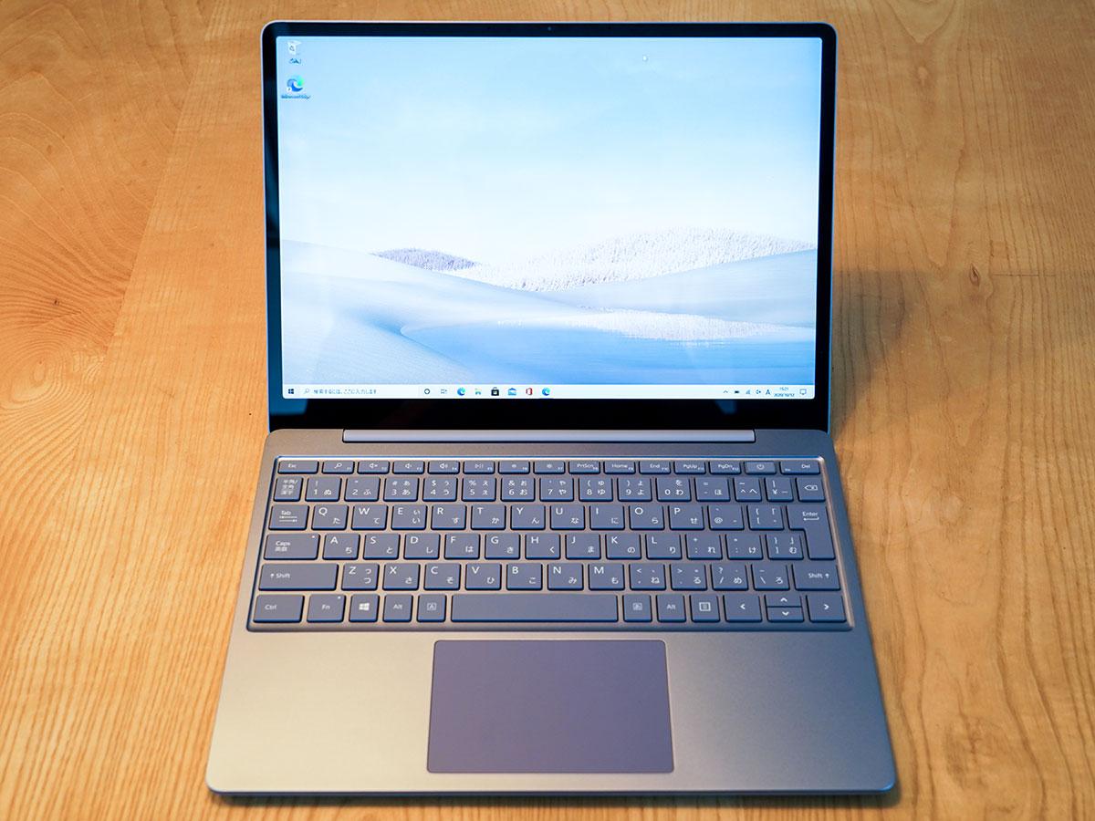 Surface Laptop Go前面