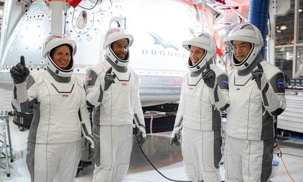 【月曜朝に延期】野口さんも搭乗、イーロン・マスクの「民間宇宙船」が世界の期待を集める理由...そのあまりに苦闘の道のり