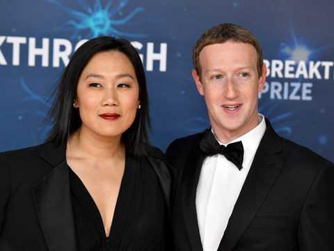 プリシラ・チャン(左)とマーク・ザッカーバーグ(右)