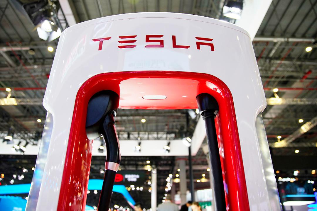テスラ 車載電池 充電ステーション