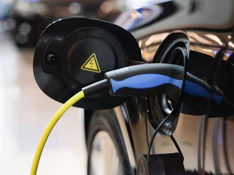 給油と同じ早さで充電できるバッテリー