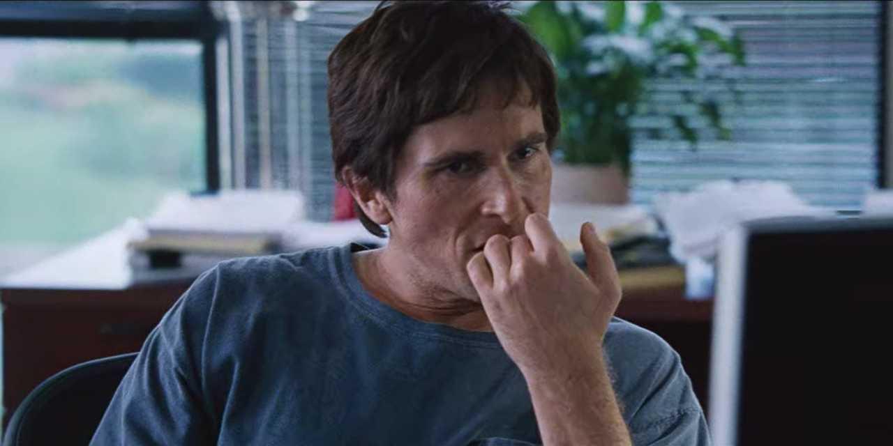 映画『マネー・ショート 華麗なる大逆転』でマイケル・バーリを演じたクリスチャン・ベール。