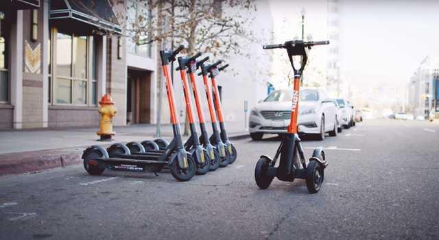 スピンによると、この技術は歩道が乱雑になることがなく、スケーターの利用効率を向上させるのに役立つという。