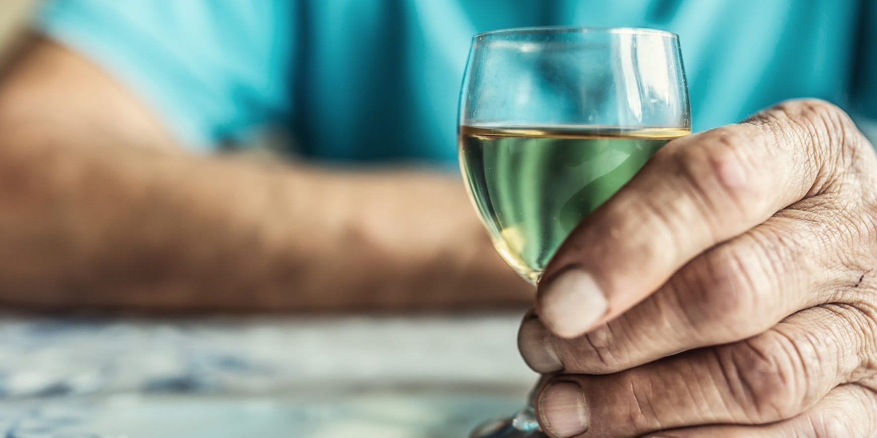 依存 コロナ 症 アルコール