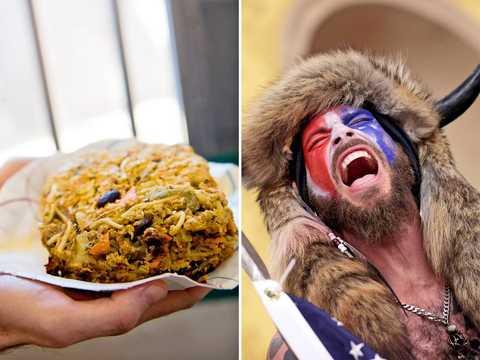 「Qアノンのシャーマン」ことジェイク・アンジェリはワシントンD.C.の留置場でオーガニック食品を食べることができるようになった。