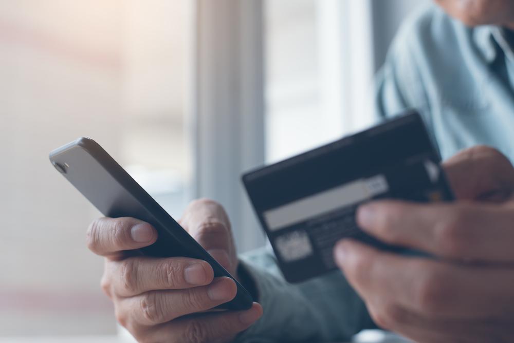 携帯電話とクレジットカード