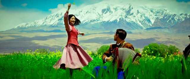 2021年3月に公開された中国のプロパガンダミュージカル『The Wings of Songs 』の1シーン。