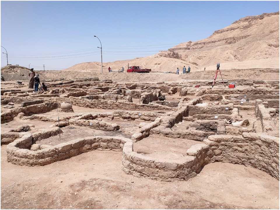 7カ月間の発掘作業を経て、古代都市の遺構が現れた。