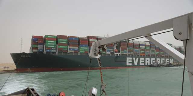 スエズ運河を封鎖したエバーギブン。