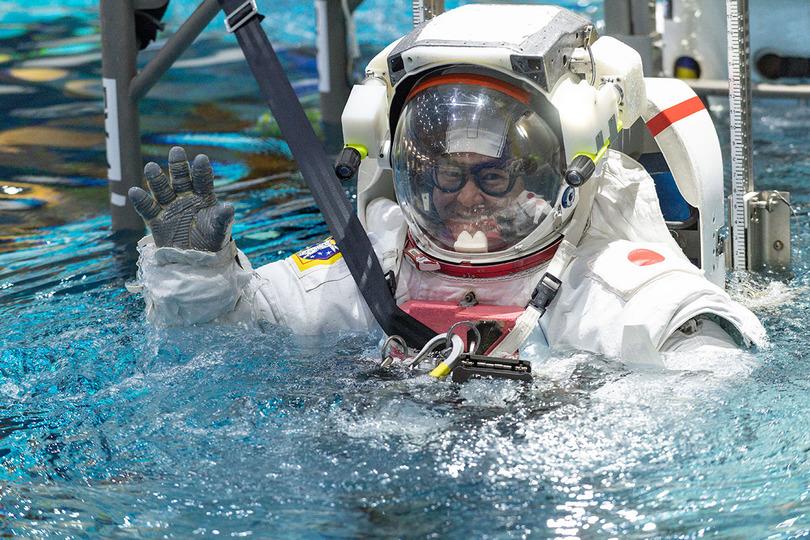 星出宇宙飛行士