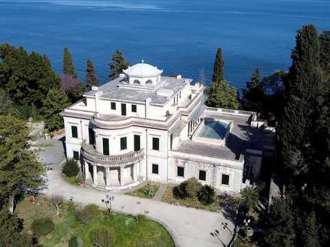 ギリシャの島にあるフィリップ殿下の生家