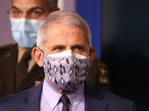 マスクを重ねるのは効果あり?なし?、アンソニー・ファウチ博士