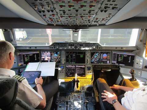 エアバスA350-1000(XWB)のコックピット