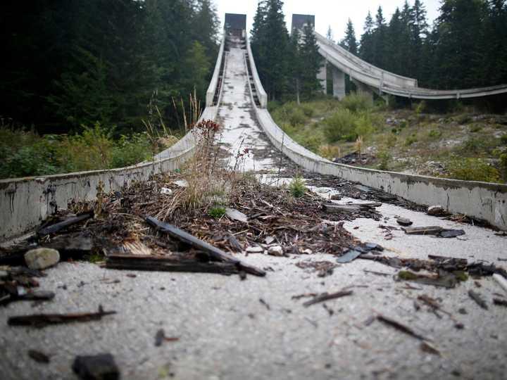 荒れ果てたジャンプ台。