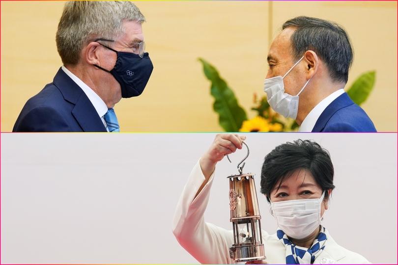 来日したバッハ会長と会談する菅首相(上)聖火の入ったランタンを持つ小池都知事。