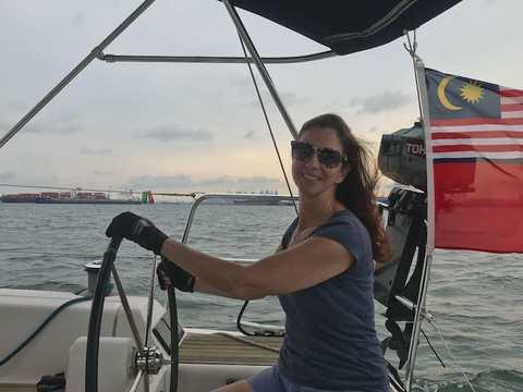 グーグルのステファニー・デイヴィスはアメリカ出身で、2017年からシンガポールに駐在している。