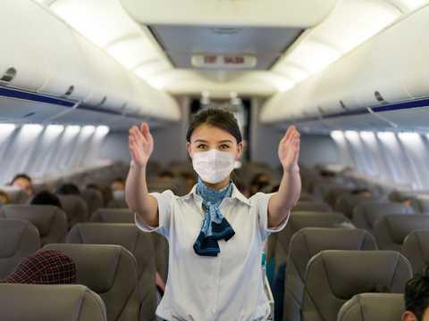 ある航空会社の客室乗務員は乗客の暴力に対抗するため、7月から護身術の訓練を受けている。