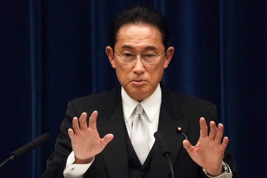 首相として初めて会見する岸田文雄首相。(2021年10月4日)