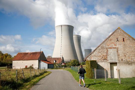 ダンピエール・アン・ビュリーの原子力発電所