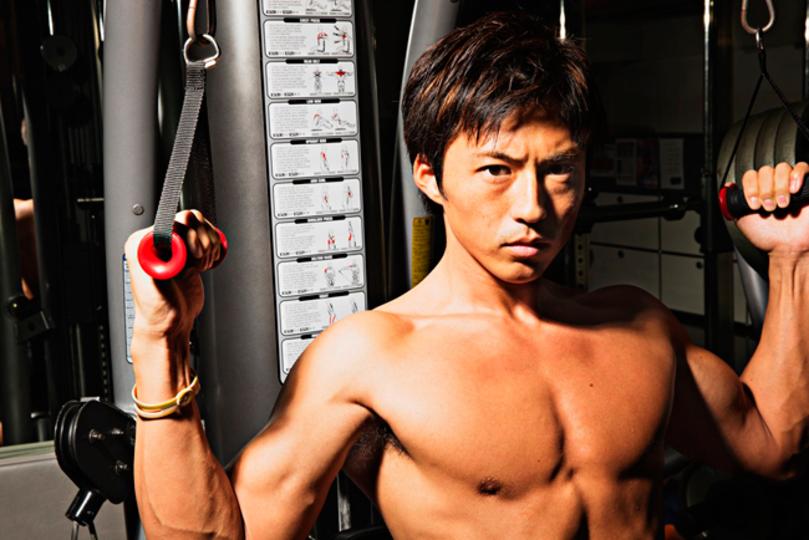 次の「〇〇男子」は、カラダ自慢が集まったグラビア本『筋肉男子』