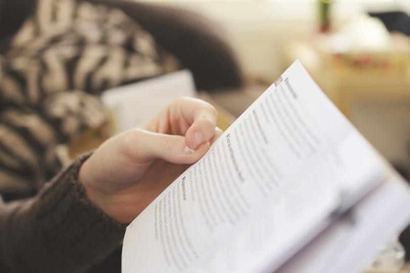 本を読む人の特徴!読書をする人・読書をしない人 …