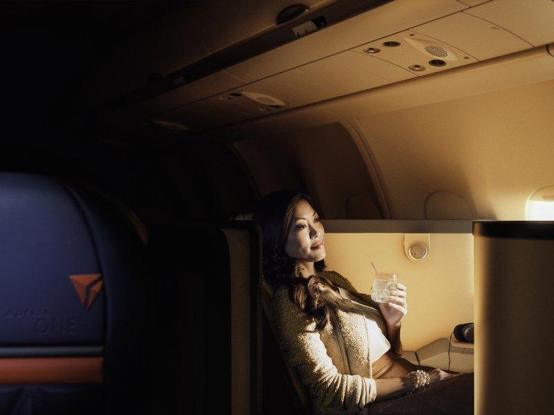 飛行機から降りたくなくなるほど、空の旅を満喫する方法