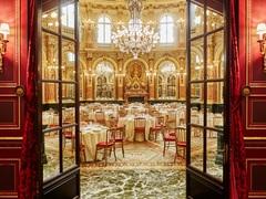 時間を忘れる美しさ。パリの歴史的ホテルとカフェを巡る旅