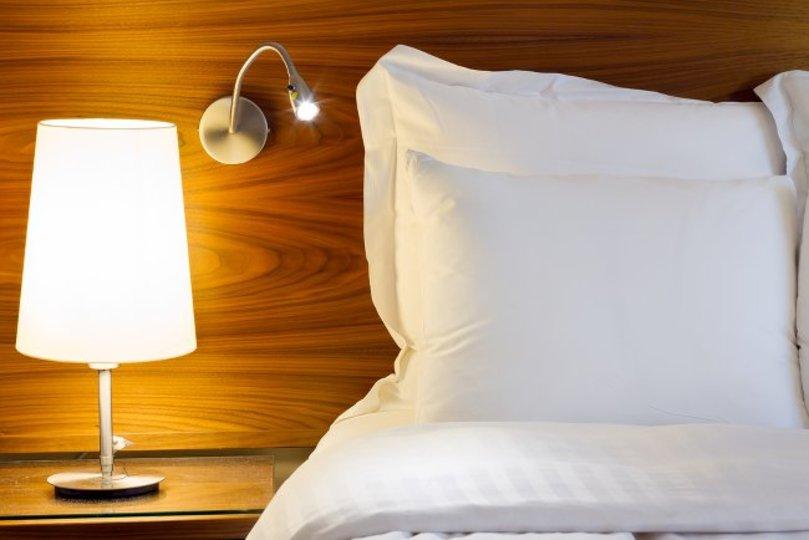 真夏の快眠を誘う、ベッドルームの作り方