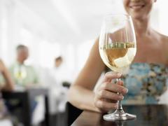 どんな料理でも外さない。サントリーニ島の鬼才がつくる希少ワイン