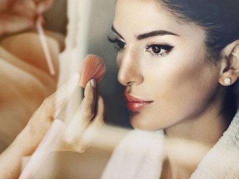 コンシーラーいらずで透明肌。コントロールカラーで大人の艶肌をつくる方法