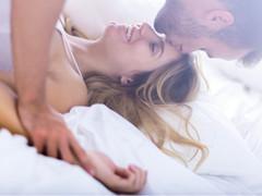 セックスは仕事の生産性を高める? 高めない?