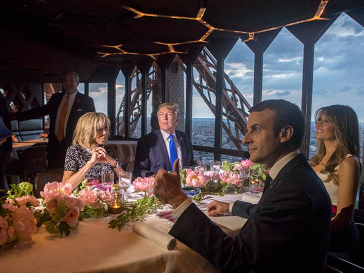 おっとセクハラ発言も。トランプ大統領のフランス訪問 [The New York Times]