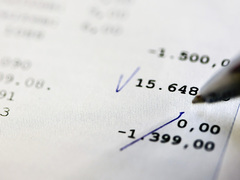 貯金のコツは「記録」。31歳で1億円を貯めた女性のアドバイス