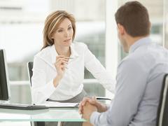 週30分の問いかけを。部下との信頼を築くコミュニケーション