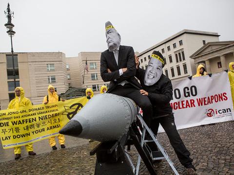 女性リーダーの核廃絶NGO「ICAN」ノーベル平和賞に [The New York Times]