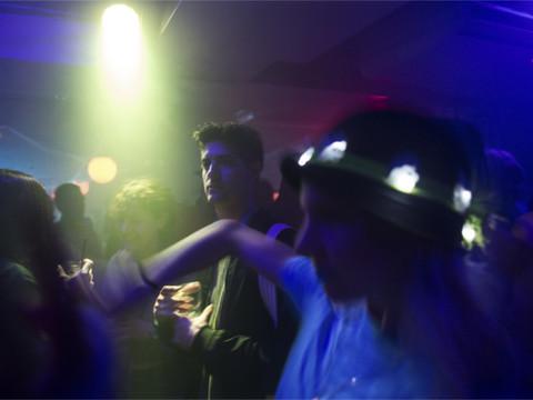 ニューヨークで91年続いたダンス禁止法、ついに廃止へ [The New York Times]