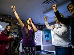 移民やトランスジェンダーが当選。米地方選挙でダイバーシティの勝利 [The New York Times]