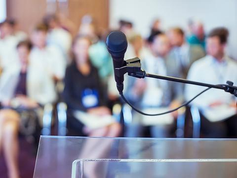 GPSをイメージすればスピーチが楽に成功する