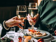 やっぱり飲酒はがんリスクを高めるというショッキングな研究結果 [The New York Times]