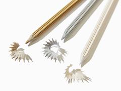 削りカスすら美しい。冬にぴったりの雪色鉛筆