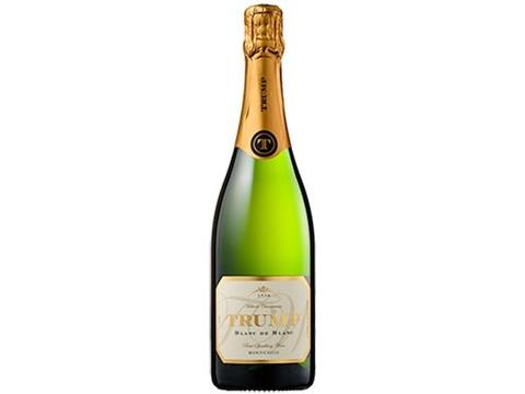 宴を盛り上げるのは、今年一番話題をさらった「あの一族」のスパークリングワイン!