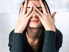 視界がぼやける、いつも眠い……に共通する原因