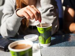 ショッピングもコーヒーも思いかけず生まれた。NYタイムズ絶賛「気晴らし」の文化史