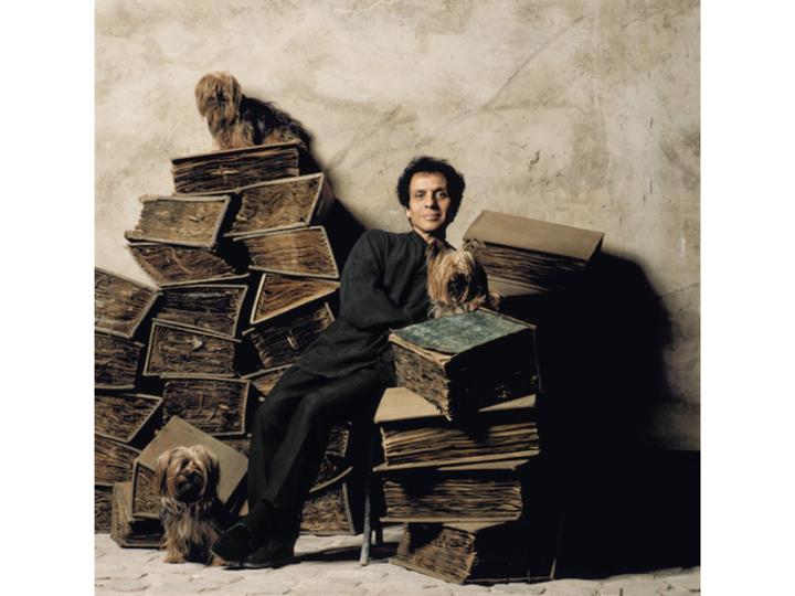 ボディコンシャスな意匠に思いを馳せて。アズディン・アライアの回顧展