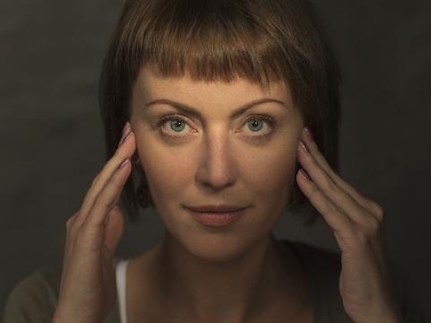 毎日続けるのがミソ。顔エクササイズの効果を皮膚科医が検証 [The New York Times]